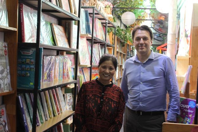 La visite du Directeur Commercial de Didier Hatier (Hachette Livre International)